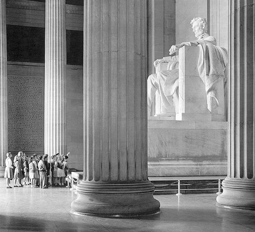 lincoln-memorial-tours-washington-dc-nightlife-image-1001.jpg